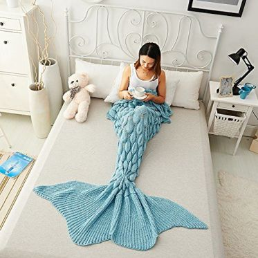 38a02e814f39843cdebf96c18fcd0d4e--mermaid-blanket-crochet-mermaid-blankets